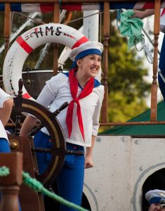 Lady performing in HMS Pinafore